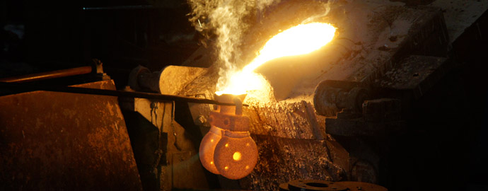 investment casting pouring
